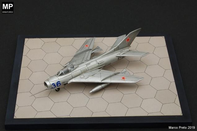 MiG19S_F01