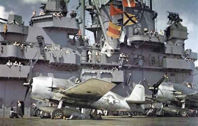 F6F_02_-3_Hellcats_aboard_USS_Yorktown_(CV-10),_31_August_1943_(80-G-K-14833)