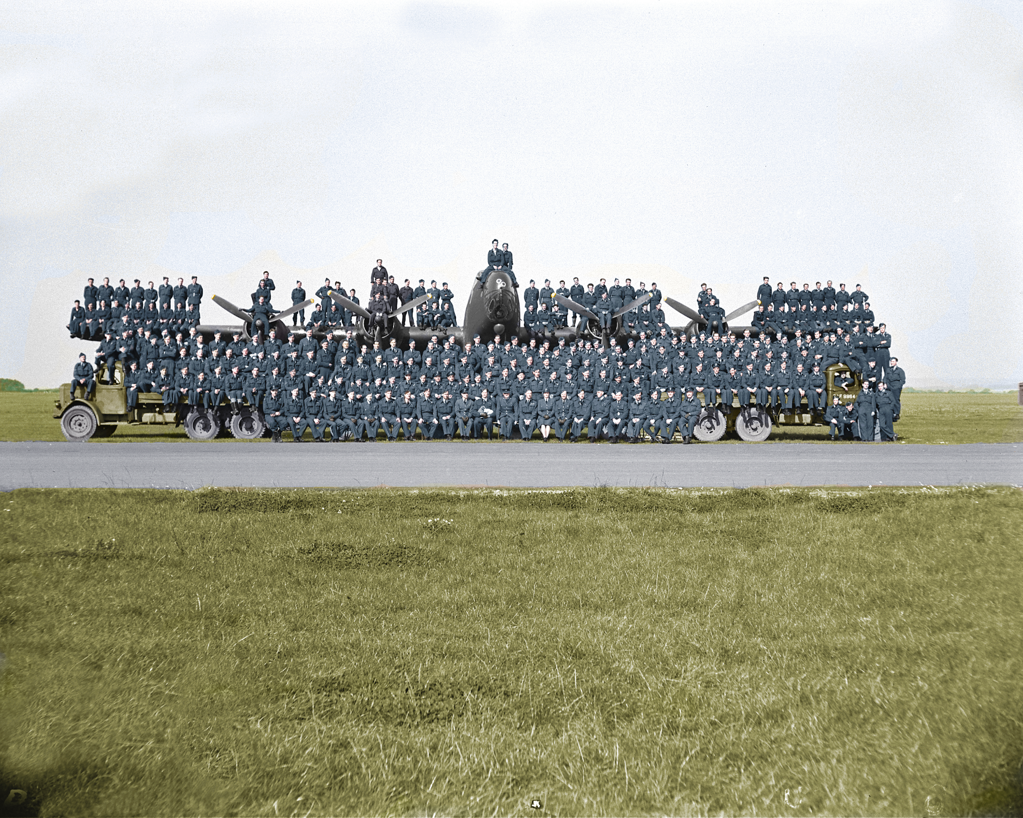 425-alouette-group-picture-color (1)