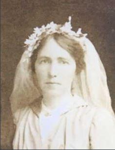 Ian Nicholson Davidson's mother